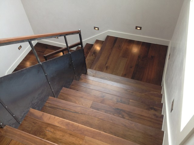 Home of distinction modern staircase austin by for Soleil floors