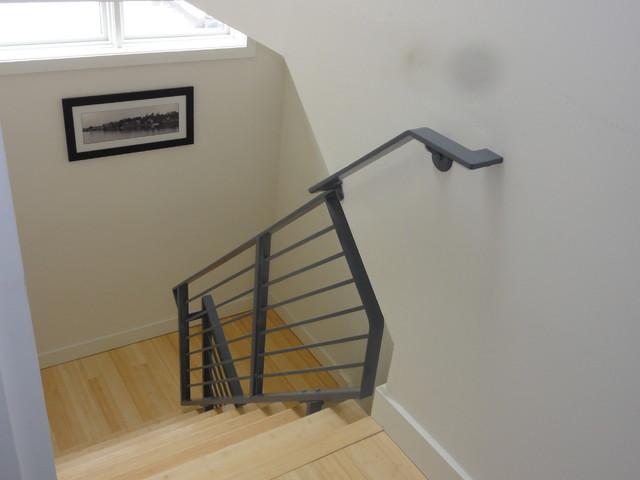 Horizontal Railing And Handrail Modern Staircase