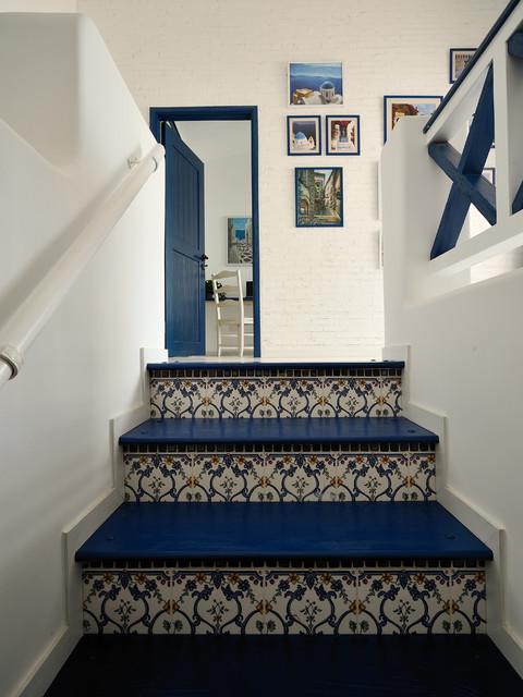 Tuscan staircase photo in Hong Kong