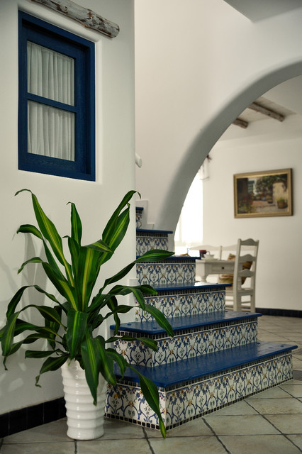 Example of a tuscan staircase design in Hong Kong