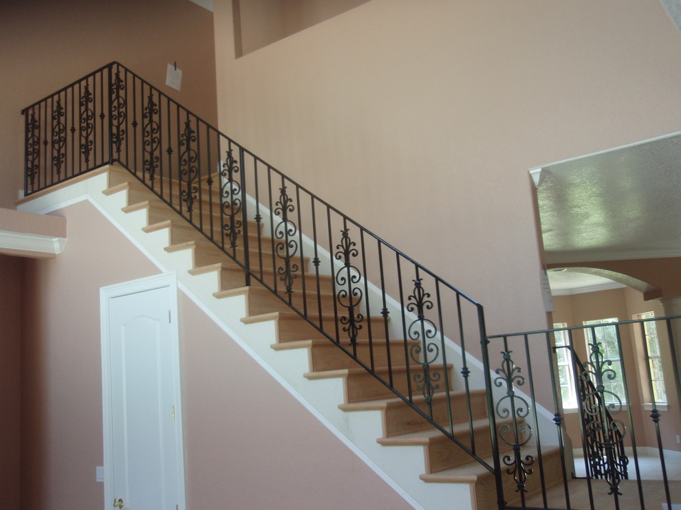 Interior stair rail with picket design - Traditional ...