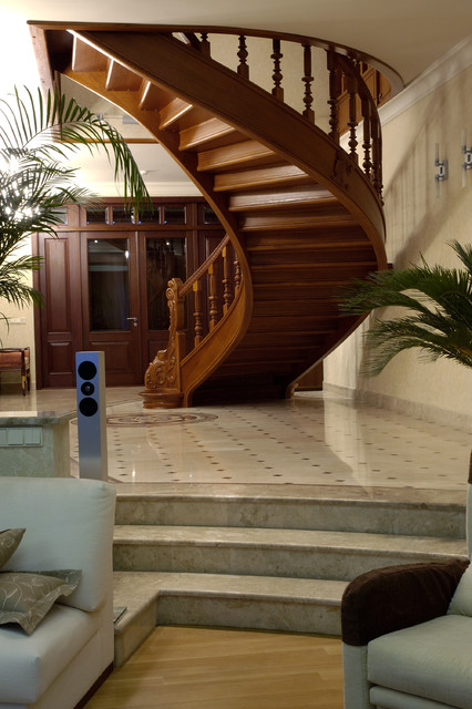 k18 traditional-staircase
