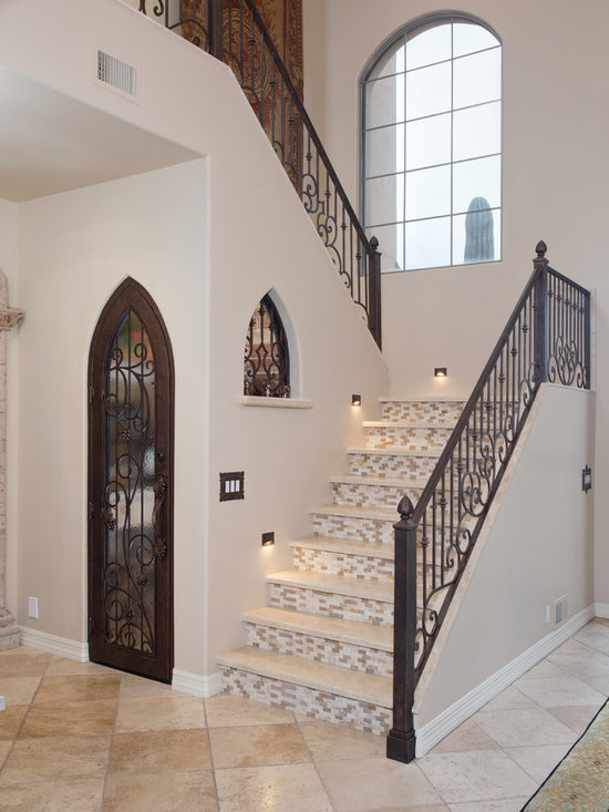 Enclosed staircase design ideas pictures remodel decor for Enclosed staircase design