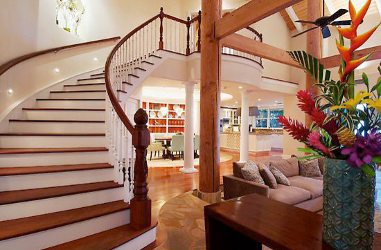 Kahana Oceanfront traditional-staircase