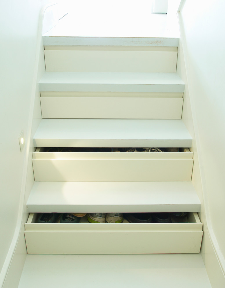 Staircase - modern staircase idea in London