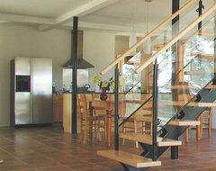kitchen modern-staircase
