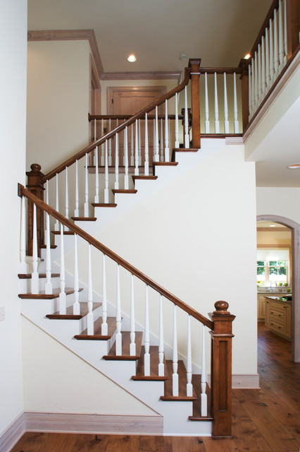 Lakelyn traditional-staircase