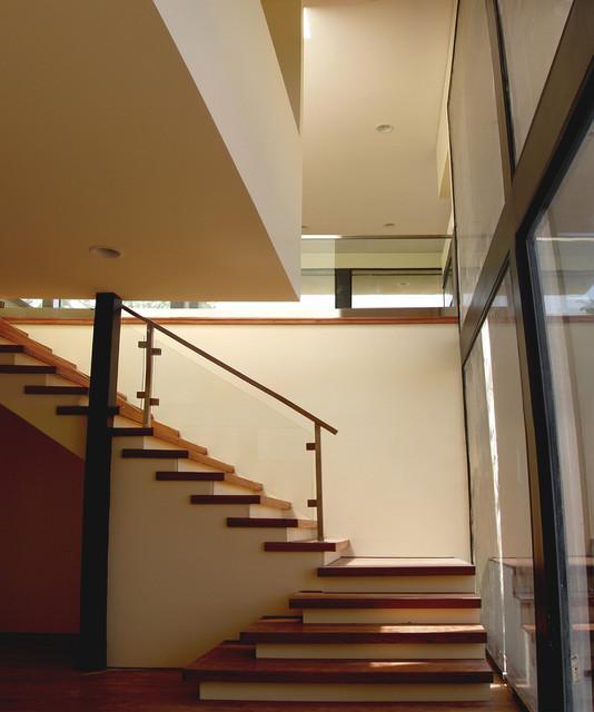 Linda Rosa Duplex View modern-staircase