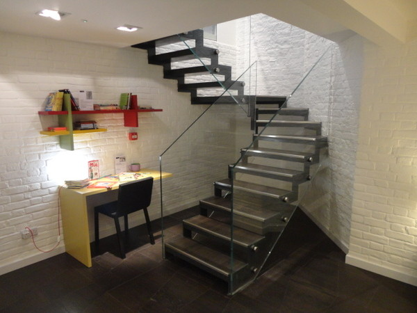Living Space modern-staircase