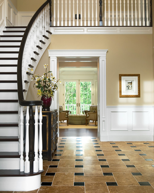 Long Island traditional-staircase
