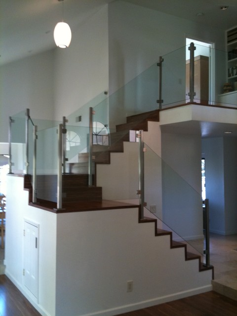 Los Angeles - Colina Way modern-staircase