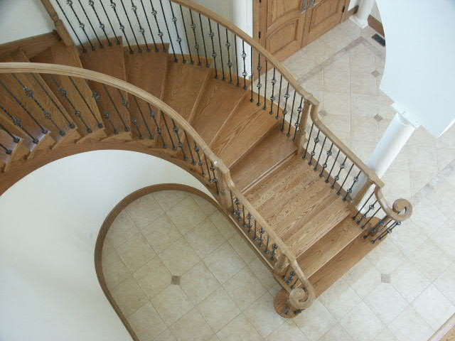 Madden traditional-staircase