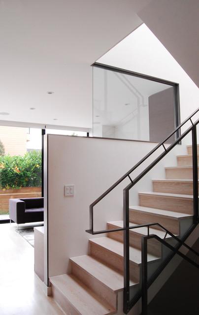 MAK Studio - Sunset modern-staircase