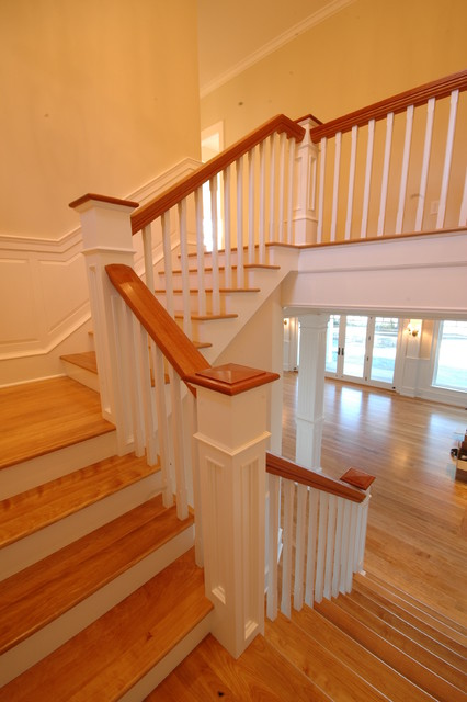 Mallets Bay Shingle traditional-staircase