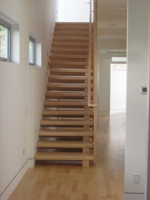 Maple Stairs And Baluster Wall Contemporary Staircase