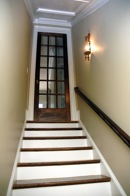 Martina basement staircase for Basement entry ideas