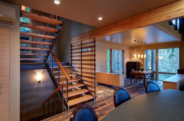 McKenzie River Home contemporary-staircase