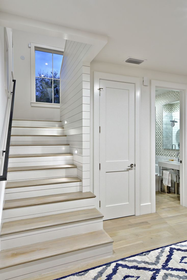 75 Beautiful Farmhouse Staircase Pictures Ideas March 2021 Houzz