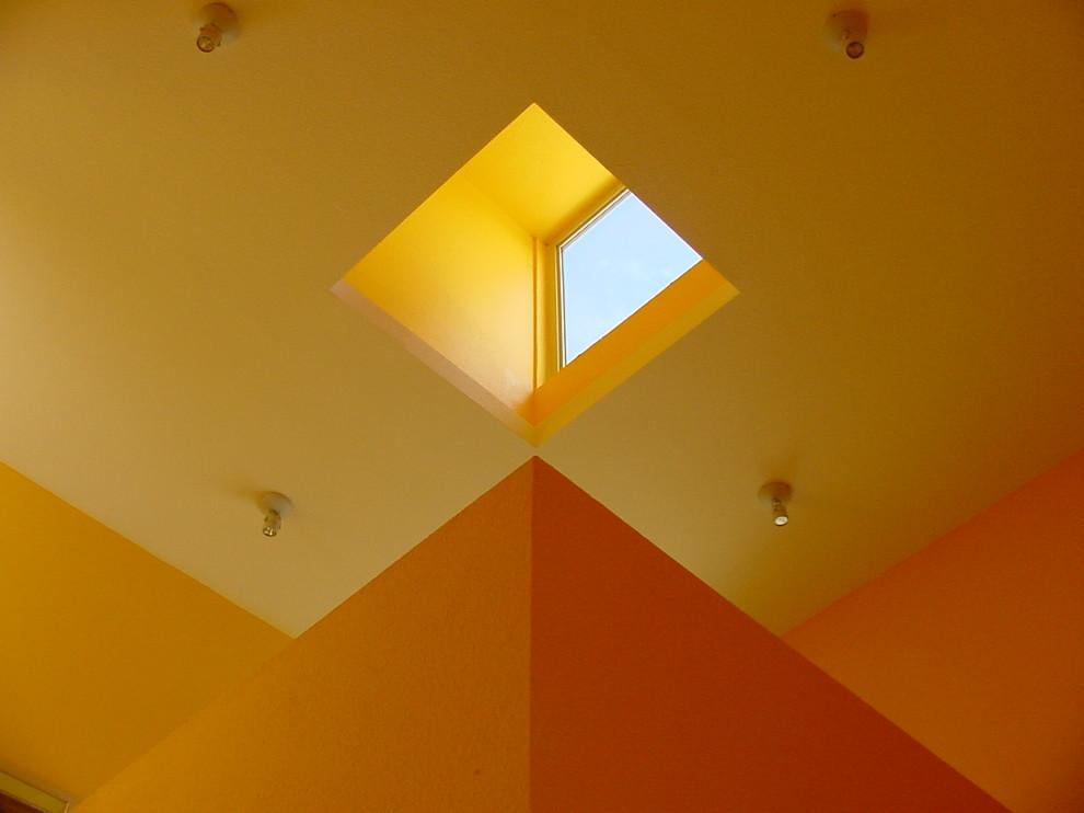 Minimalist staircase photo in Austin
