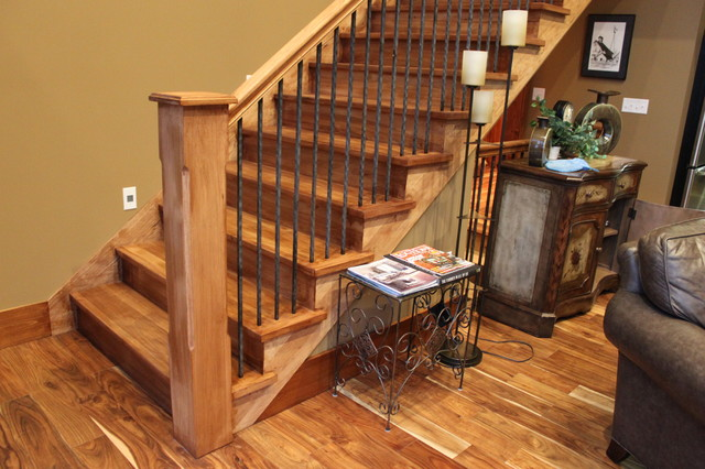 Rustic Mountian Stair Railings: All Hickory Stain Grade Stairs