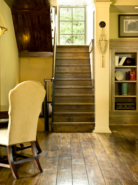 Simplifying In The Suburbs Traditional Staircase