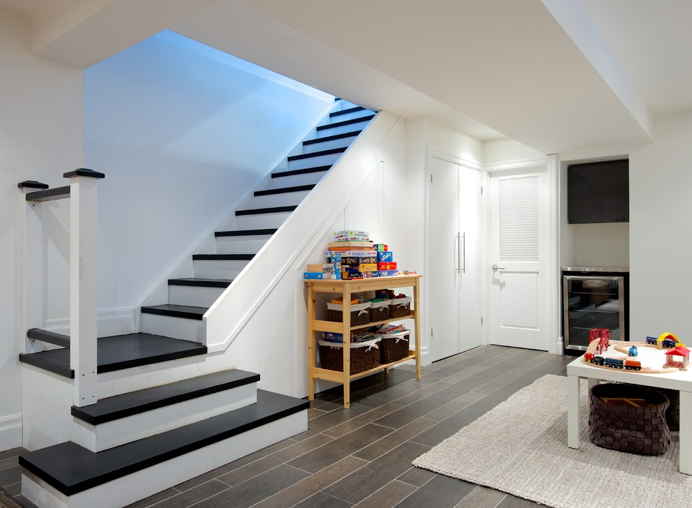 Inspiration for a contemporary staircase remodel in Toronto