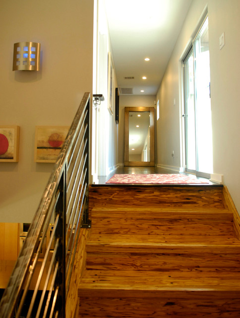 My Houzz: Modern Sleekness and Serenity in Austin transitional-staircase