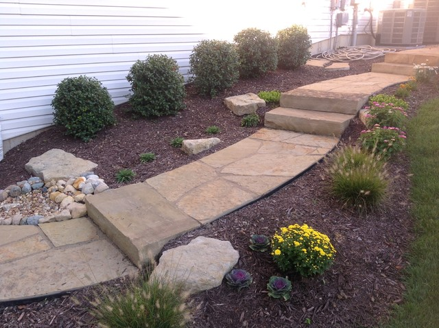Natural stone landscaping st louis by hackmann lawn for Landscape design st louis