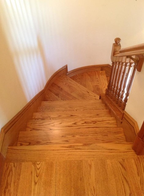 Northern Red Oak Golden Oak Stain Staircase San