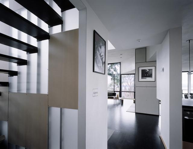 Nuler-Cudahy Residence modern-staircase