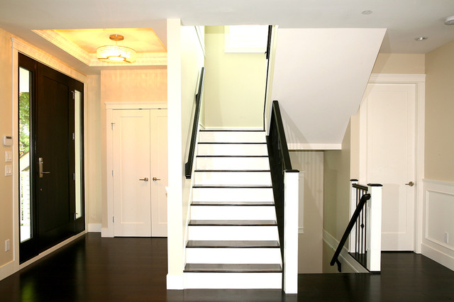 OH Custom 13 traditional-staircase