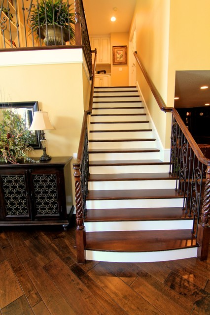 Orange County traditional-staircase
