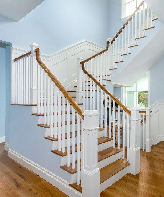 Etonnant Pacific Palisades   Traditional U Shape Traditional Staircase