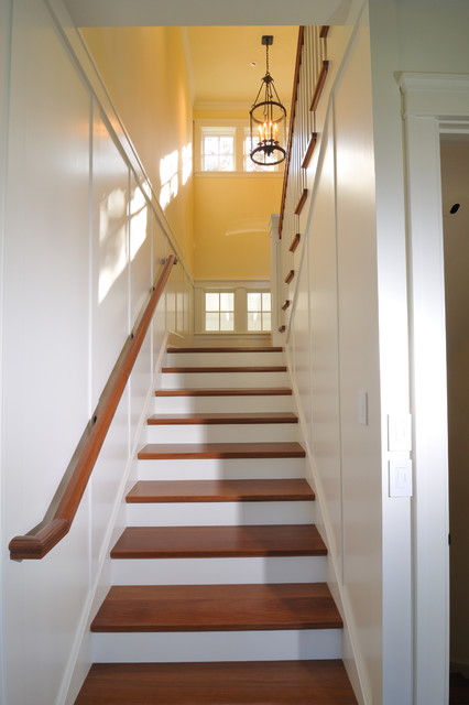 Parkinson Avenue West craftsman-staircase