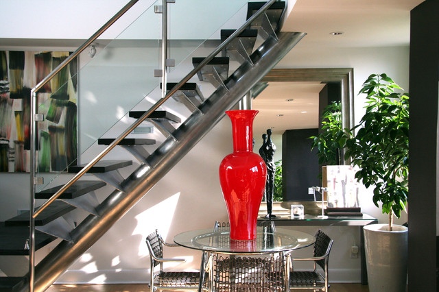 Penthouse modern-staircase