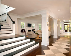 Pictures traditional-staircase