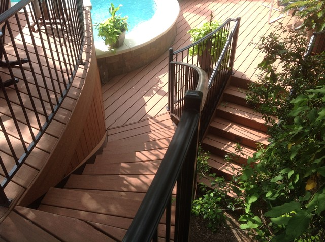Pool deck traditional-staircase
