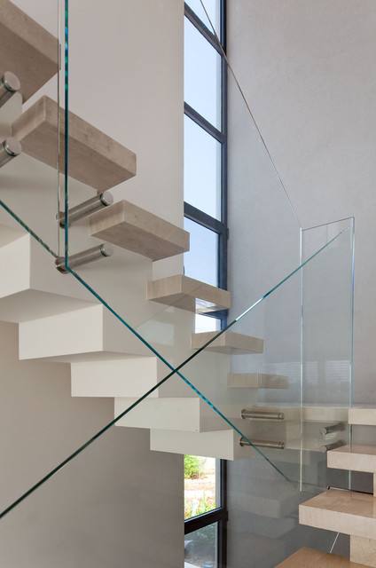 Private House in Ramot Hashavim modern-staircase
