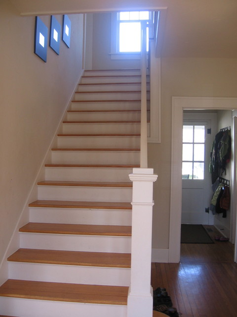 Renovation of a georgian colonial house style in for Georgian staircase design