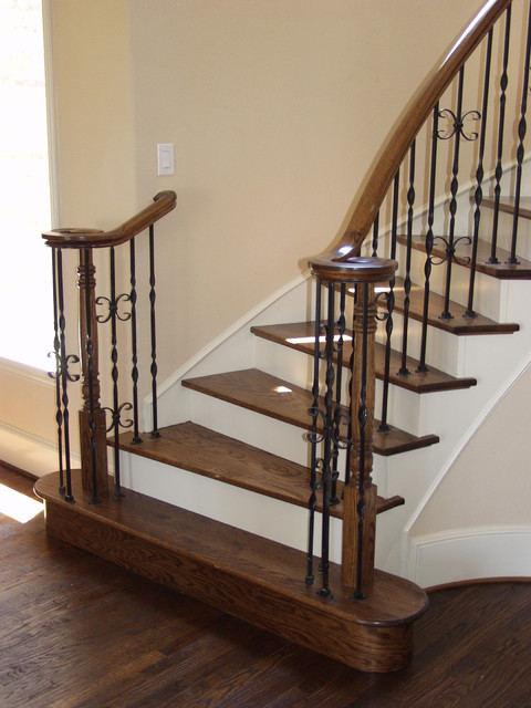 Exceptionnel Ribbon Twisted Iron Balusters Traditional Staircase