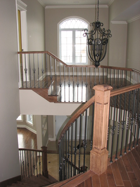 Sandra's traditional-staircase
