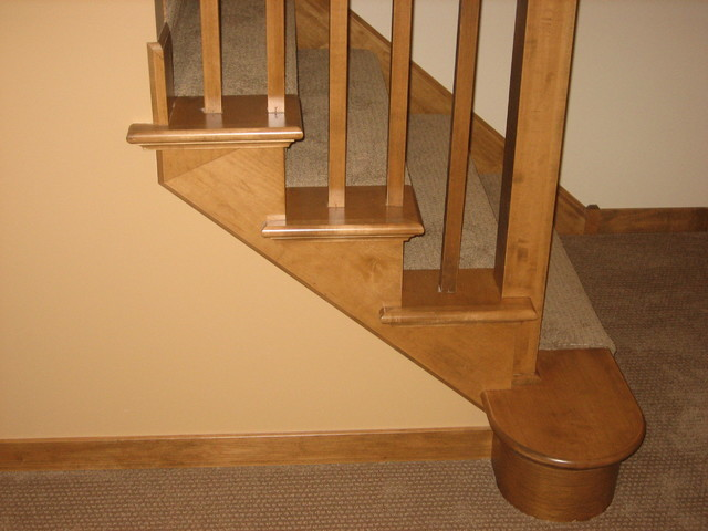 Shoreview 2 traditional-staircase