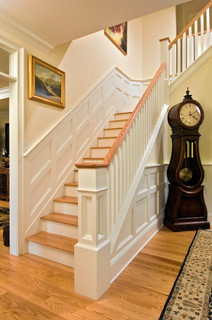 Showcase 2007 traditional staircase
