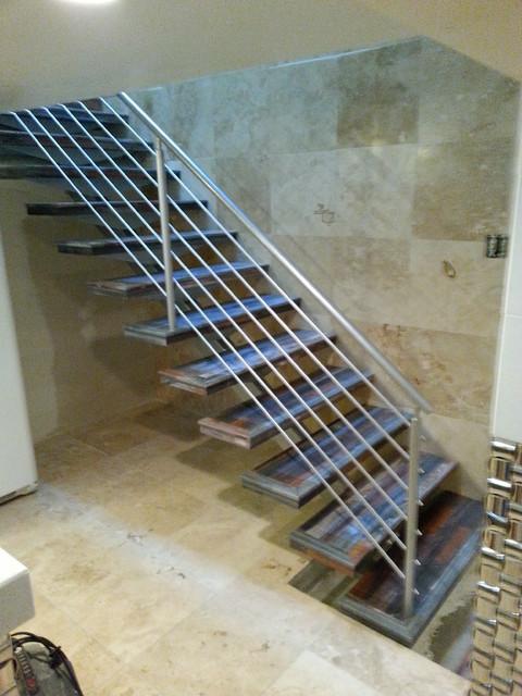 Single Stringer Open Riser Steel Stairs Modern