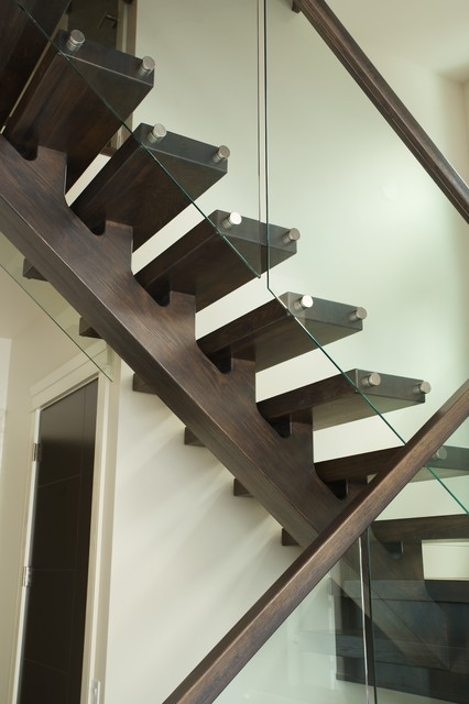 Solid White Oak Mono Stringer Modern Staircase