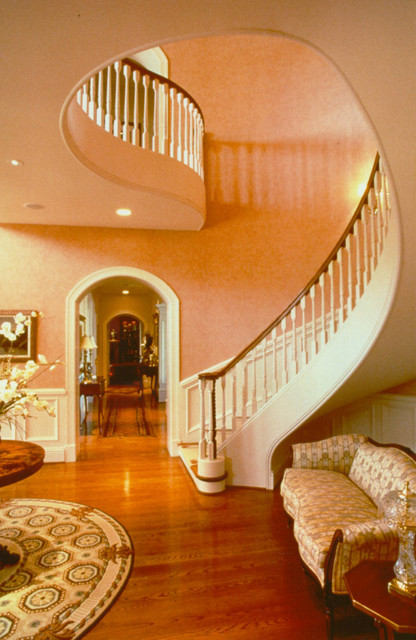 Southern Plantation Style Estate Traditional Staircase