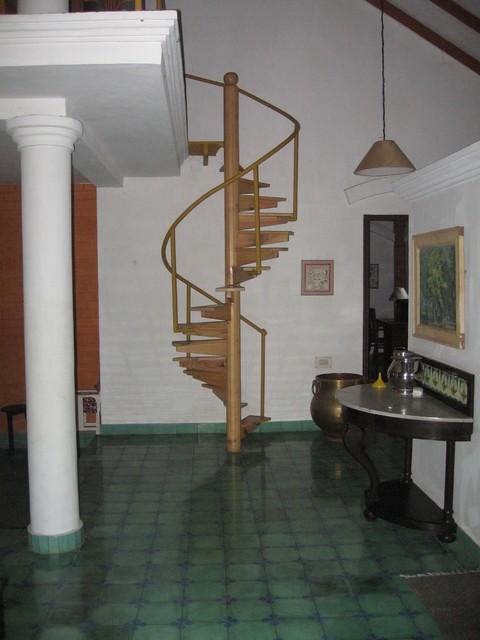 Pyramid tropical-staircase