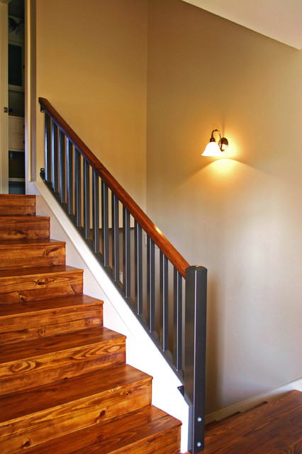 Split level stairs after for Bi level foyer ideas