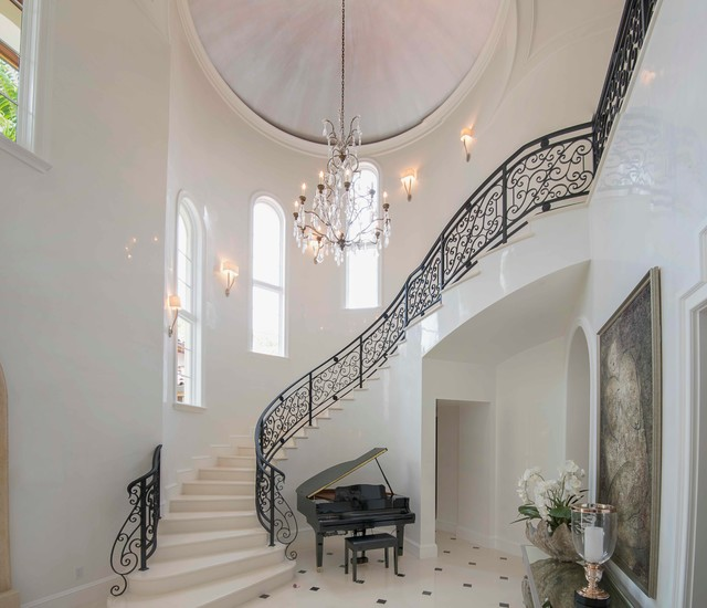 Spyglass traditional-staircase