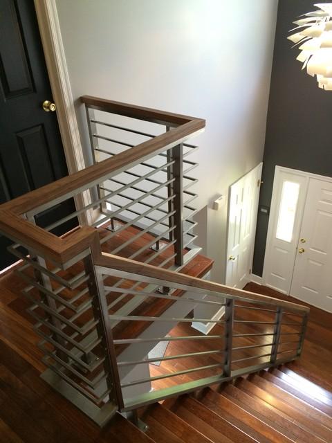 Stainless steel horizontal railing - Modern - Staircase ...